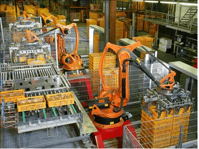 Industrial robot for processing food products like bread